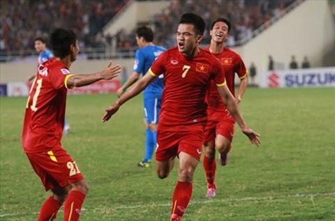 Viet Nam 3-1 Philippines: Chien thang qua doi an tuong