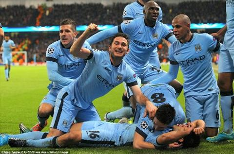 Man City giai ma hien tuong Southampton  hinh anh