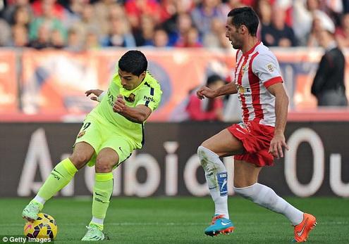 Luis Suarez choi xuat sac giup Barca danh bai Almeria