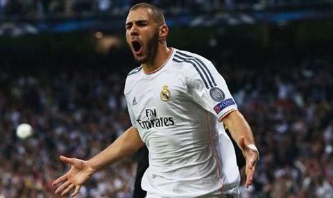Chuyen nhuong Liverpool mua Benzema tien dao cua Real Madrid hinh anh