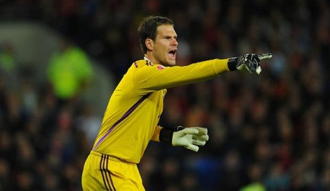 vong 1 Premier League Cech gay that vong, Begovic toa sang hinh anh