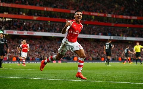 Alexis Sanchez khong nen da cam tren hang cong Arsenal hinh anh 2