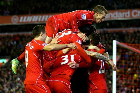 Gerrard roi Liverpool Lan thu hai viet nen lich su tai Anfield hinh anh 2