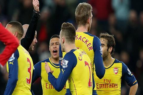 Hang thu Arsenal la tu huyet cua thay tro HLV Wenger hinh anh 2