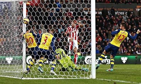 Hang thu Arsenal la tu huyet cua thay tro HLV Wenger hinh anh