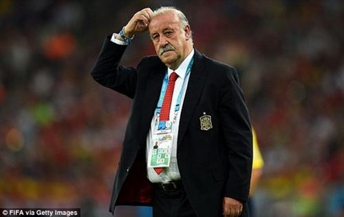 Ong Vicente del Bosque co the mat chuc huan luyen vien truong tuyen Tay Ban Nha sau khi doi nha thua Chile 0-2