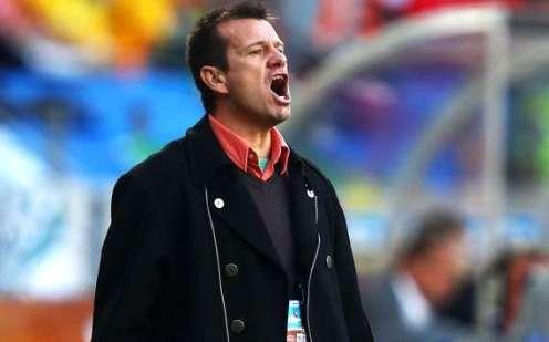 Carlos Dunga tro lai dan dat Brazil?
