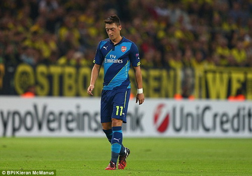 Oezil se chet mon o hang tien ve Arsenal hinh anh
