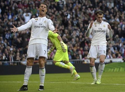 Real Madrid 3-0 Espanyol Chap nguoi, bay Ken ken trang van bay cao hinh anh 3