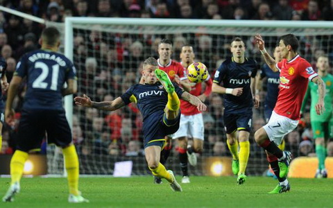 Vong 21 Premier League M.U thua Southampton, Arsenal thang dam Stoke hinh anh 3