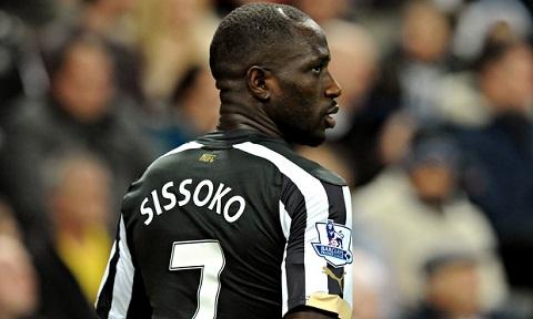 Liverpool pha dam Chelsea trong thuong vu may quet cua Newcastle hinh anh