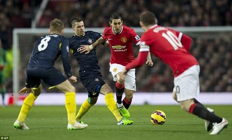 Van Gaal khien MU xuong phong do tham hai trong tran thua Southampton hinh anh 2