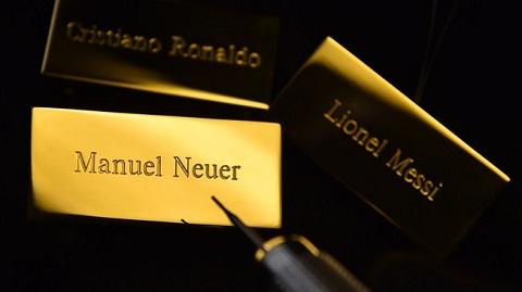 Vi ve dep cua bong da, hay trao QBV FIFA 2014 cho Neuer hinh anh