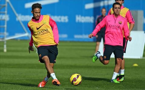 Truoc tran gap Elche, Neymar bao tin buon cho Barca hinh anh