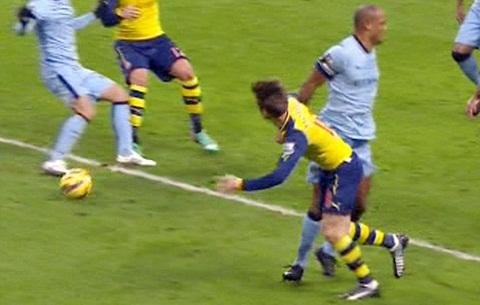 Man City vs Arsenal hinh anh