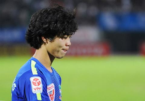 Cong Phuong U19 dang la ganh nang cua HAGL tai V-League 2015 hinh anh