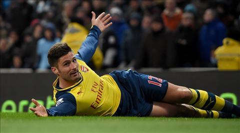 Giroud chinh la loi giai cho hang cong Arsenal hinh anh