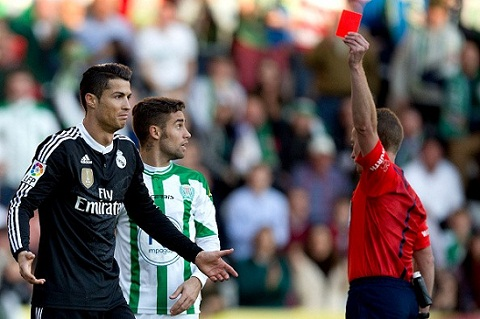 Messi-Ronaldo Hai cam xuc doi lap hinh anh 2