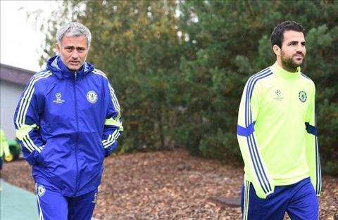 Cesc Fabregas khong tin co ngay ngoi chung thuyen voi Mourinho hinh anh
