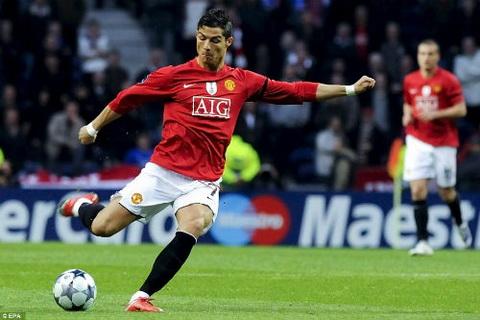 10 ban thang dep nhat lich su UEFA Co mat Ronaldo, Zidane, Van Basten hinh anh 2