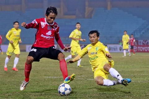 Vong 1 V-League 2015 Ha Noi T&T hoa that vong DT Long An hinh anh