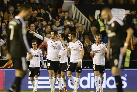Valencia vs Real Madrid Ken ken tham bai tai Mestalla  hinh anh