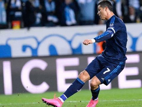 Ronaldo tro thanh cau thu ghi ban vi dai nhat trong lich su Real