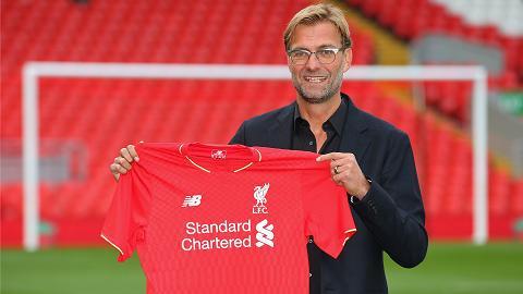Sir Alex khen ngoi het loi tan HLV Jurgen Klopp cua Liverpool hinh anh