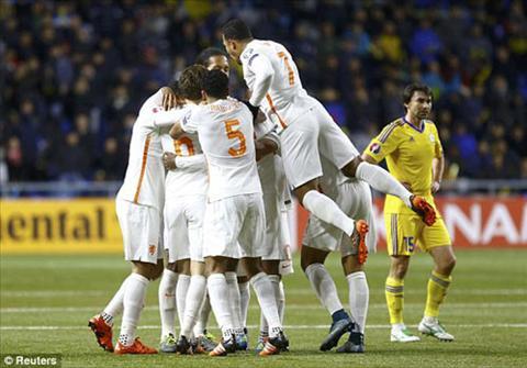 Video clip ban thang Kazakhstan 1-2 Ha Lan (Vong loai Euro 2016) hinh anh