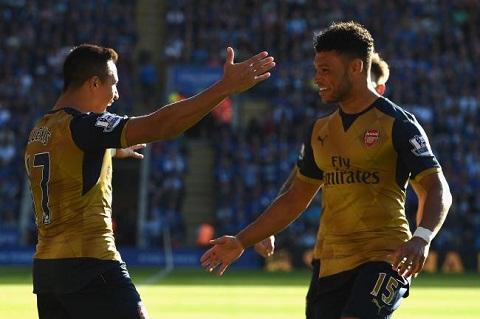 Hang cong Arsenal Chamberlain can gi de hat cang Ramsey hinh anh 2