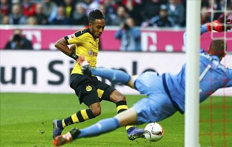Barcelona can nhac chieu mo tien dao than gio Aubameyang cua Dortmund hinh anh