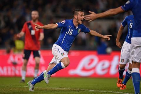 Video clip ban thang Italia 2-1 Na Uy (Bang H vong loai Euro 2016) hinh anh