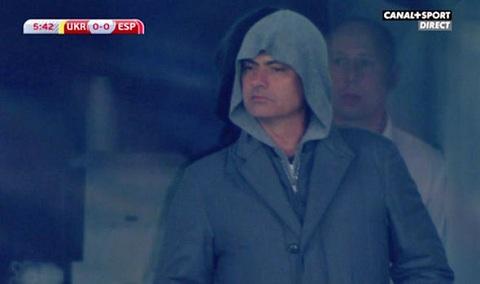Vi sao Jose Mourinho xuat hien o Ukraina hinh anh