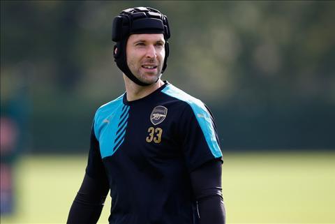 Arsenal 2-0 Bayern Munich Cech Toa sang, Phao lam thit hum hinh anh
