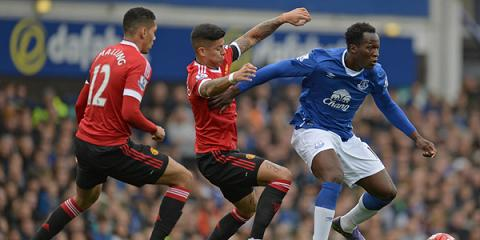 Diem lai nhung quyet dinh dung dan cua Van Gaal trong tran Everton 0-3 MU hinh anh 2