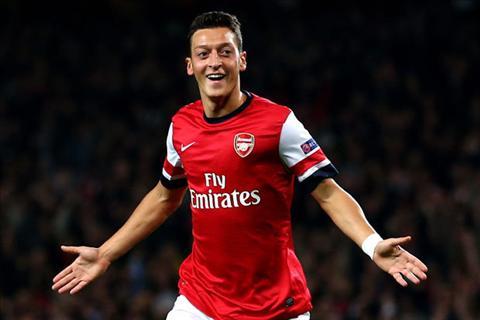 Arsenal ha Everton O dau co gian kho o do co tien ve Mesut Ozil hinh anh