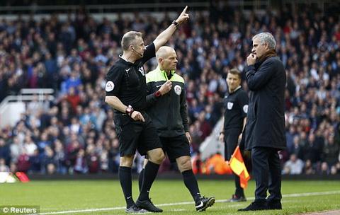HLV Jose Mourinho bi Chelsea sa thai hinh anh 2