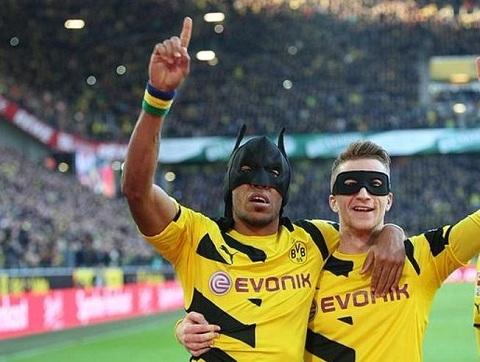 Sat thu cua Dortmund bat tin hieu den xanh cho Barcelona hinh anh