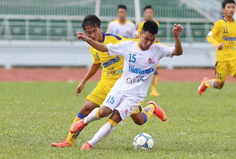 Thang de Khanh Hoa, U21 Ha Noi T&T nam chac ve ban ket hinh anh