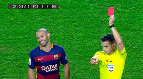 Barca 3-1 Eibar Bara khang an cho Javier Mascherano hinh anh