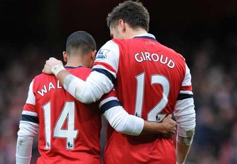 Walcott Tien dao Olivier Giroud van rat quan trong voi Arsenal hinh anh 2