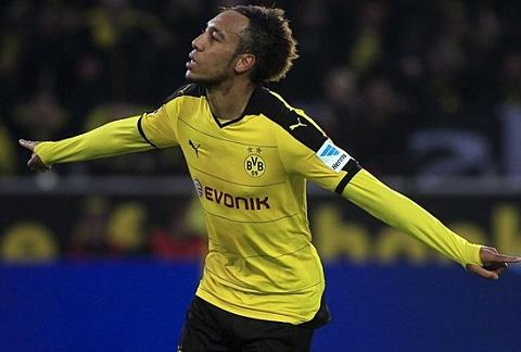 Arsenal, Barca chu y! Dortmund rao ban sat thu Aubameyang hinh anh