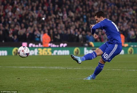 Ngoi sao Eden Hazard da thi dau that vong ra sao o tran thua Stoke hinh anh