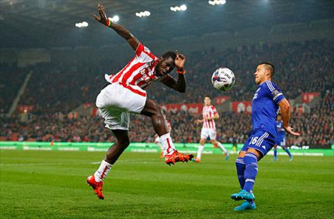 Video clip ban thang Stoke 1-1 (pen 5-4) Chelsea (Vong 4 Cup Lien doan Anh 20152016) hinh anh