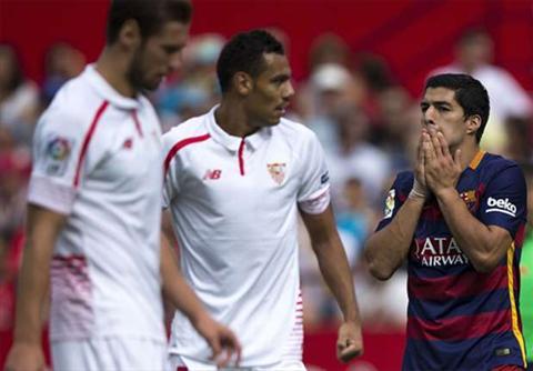Vang thien tai Lionel Messi, Barca hy sinh oanh liet tren san cua Sevilla hinh anh