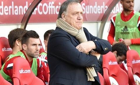 Dick Advocaat tu chuc HLV cua Sunderland.