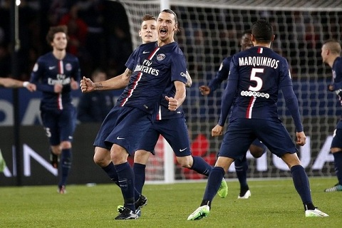 Lap cu dup vao luoi Marseille, Ibrahimovic lap ky luc sieu khung hinh anh