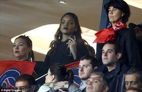 Cong than cua PSG duoc Rihanna trao nu hon ngot ngao hinh anh 3