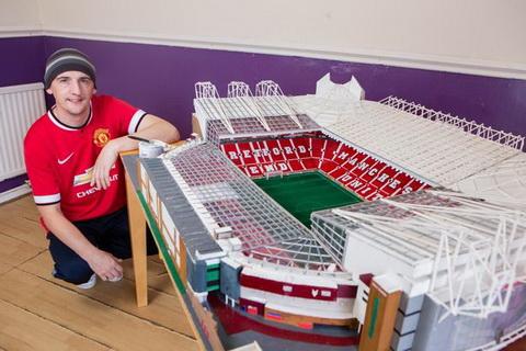 Fan cuong MU ky cong xay dung san Old Trafford bang diem hinh anh