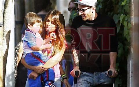 Ngoi sao Messi chong nang don con di hoc ve hinh anh